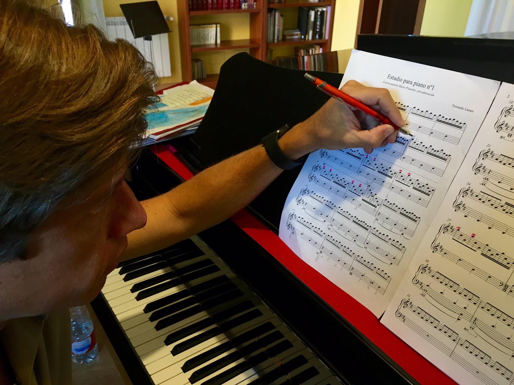 El gran pianista español Mario Prisuelos en el ensayo de mi Estudio nº1  - Imágenes - Fernando Lázaro, Compositor y Pianista