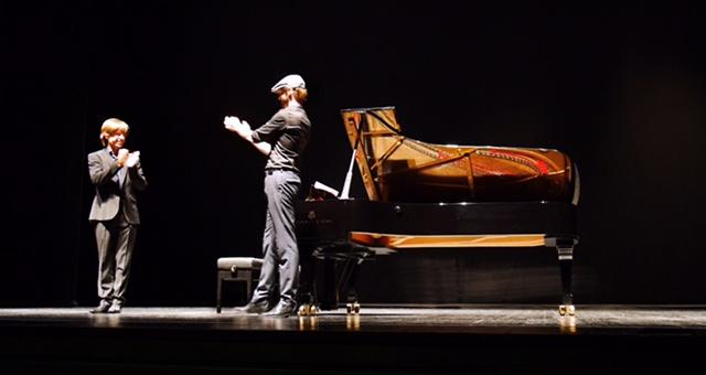 Mario Prisuelos y yo después del estreno de mi Estudio nº1. Teatros del Canal. Madrid, sep. 2016. - Imágenes - Fernando Lázaro, Compositor y Pianista