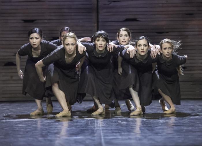 Escena de las Mujeres. La aldea en llamas. Teatro Estatal de Innsbruck. - Women Scene. The Burning Village. Innsbruck State Theatre - Fernando Lázaro, Composer and Pianist