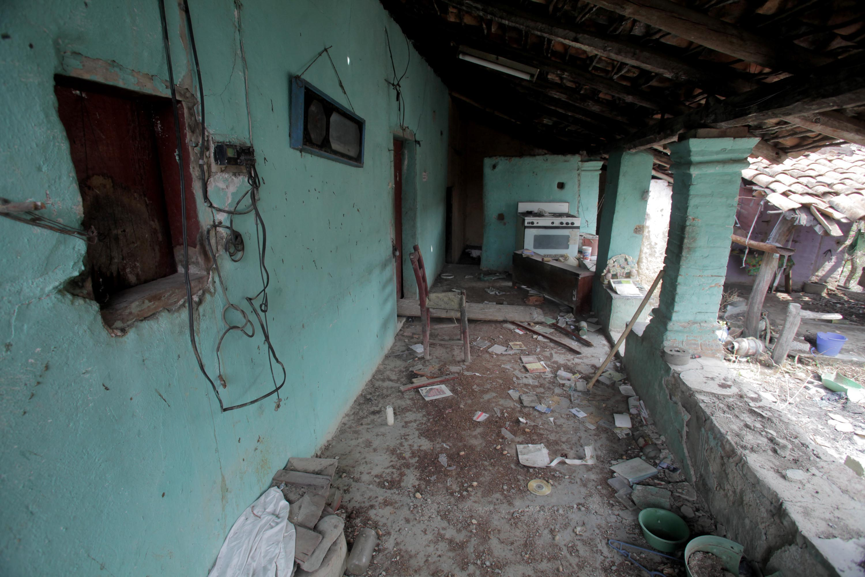 Pueblos fantasma en Guerrero a causa del narcotráfico - JAIR CABRERA, Photography