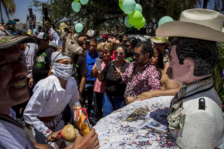 Jesús Malverde el santo de los narcos - JAIR CABRERA, Photography
