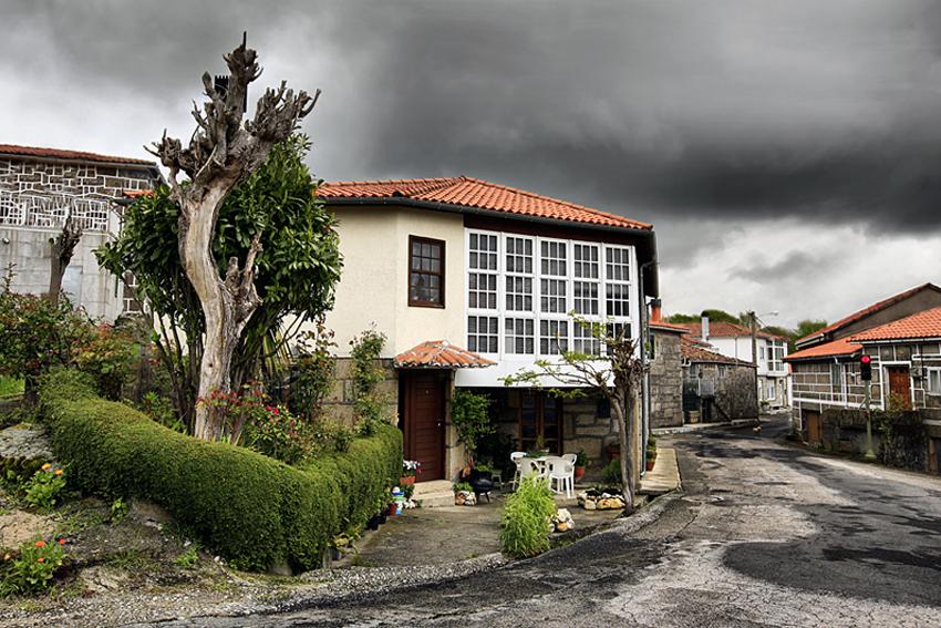 Galicia semaforo en rojo - Ecos del paisaje - Javierangel lopez, fotografia de  paisaje