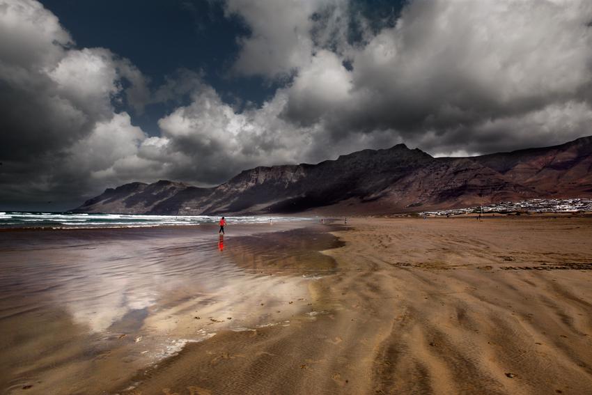 Reflejos en Famara - Ecos del paisaje - Javierangel lopez, fotografia de  paisaje