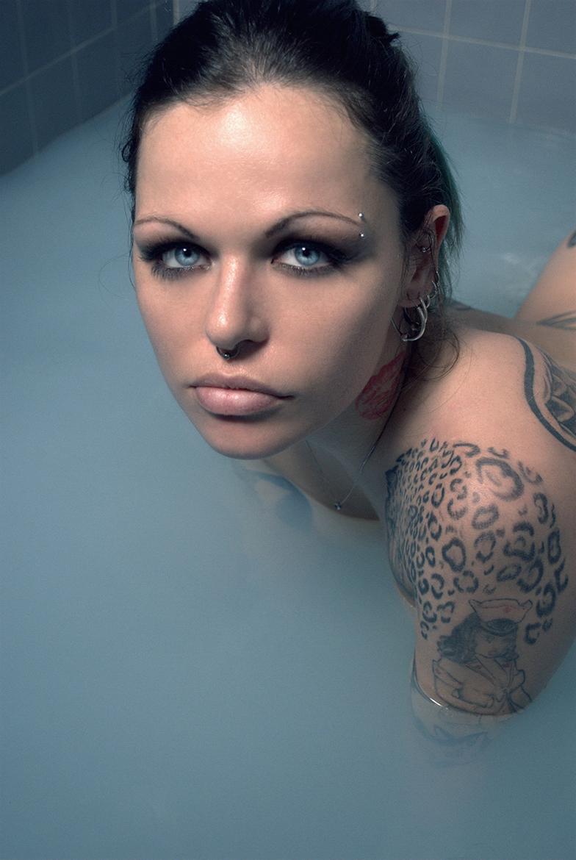 Onix - Acceso gratuito - Desnudo, semidesnudo y boudoir. Fotografía por Javier Cuevas