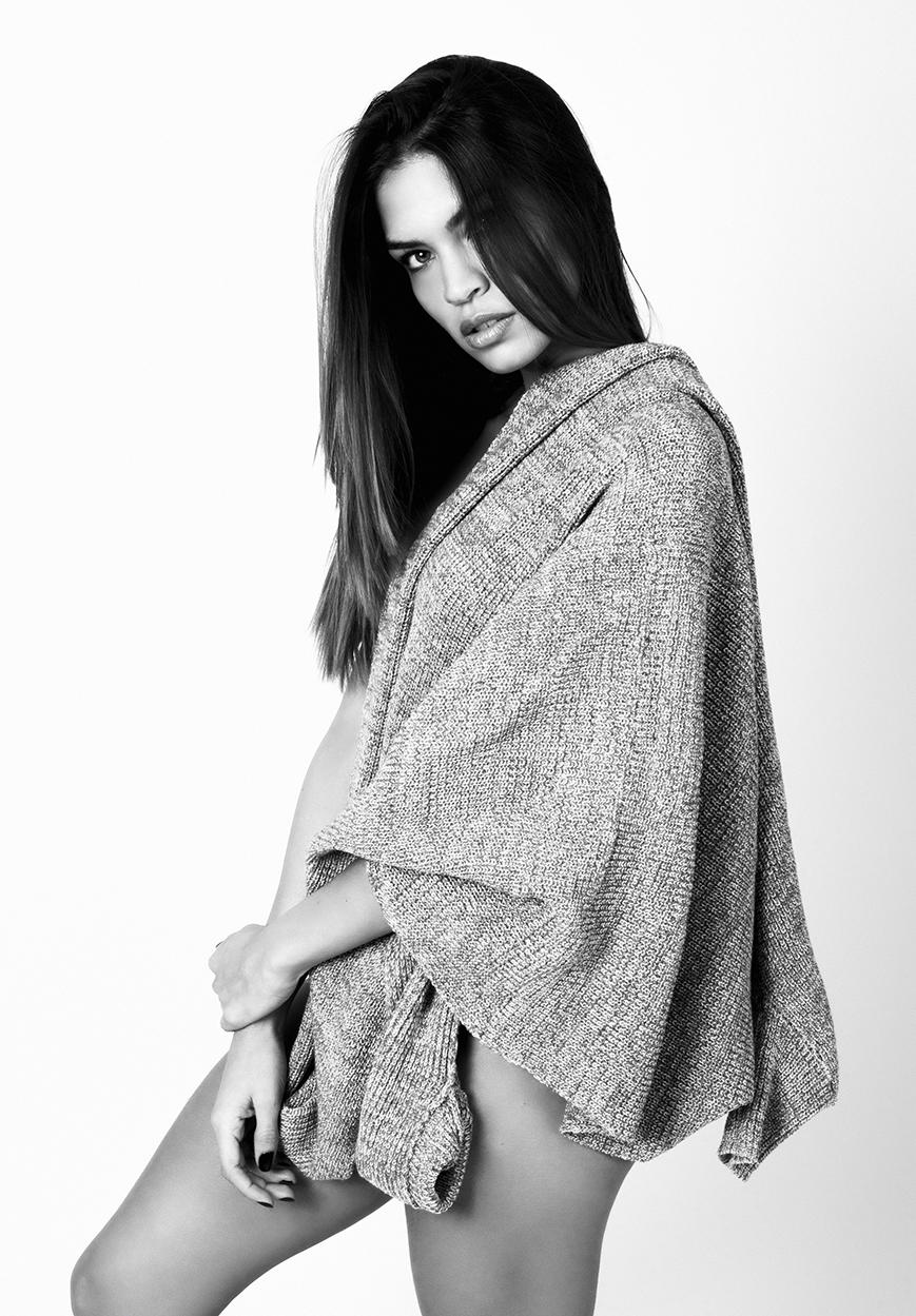 Alessandra - Acceso gratuito - Desnudo, semidesnudo y boudoir. Fotografía por Javier Cuevas