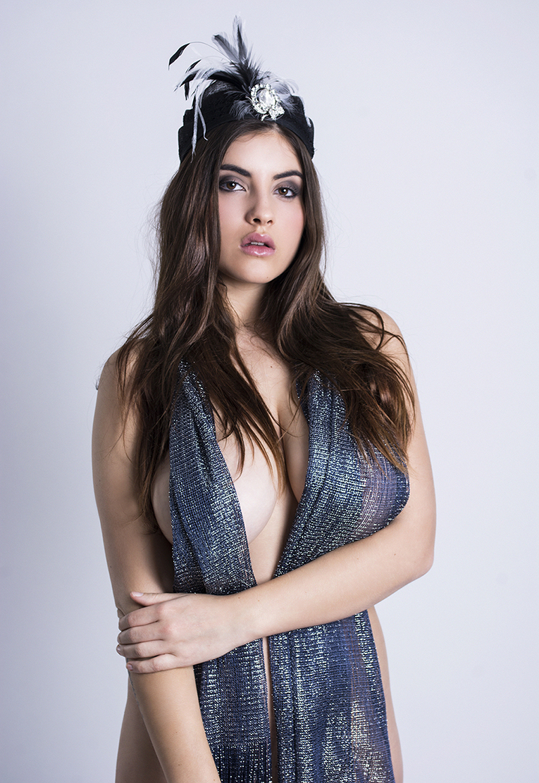 Judit - Acceso gratuito - Desnudo, semidesnudo y boudoir. Fotografía por Javier Cuevas
