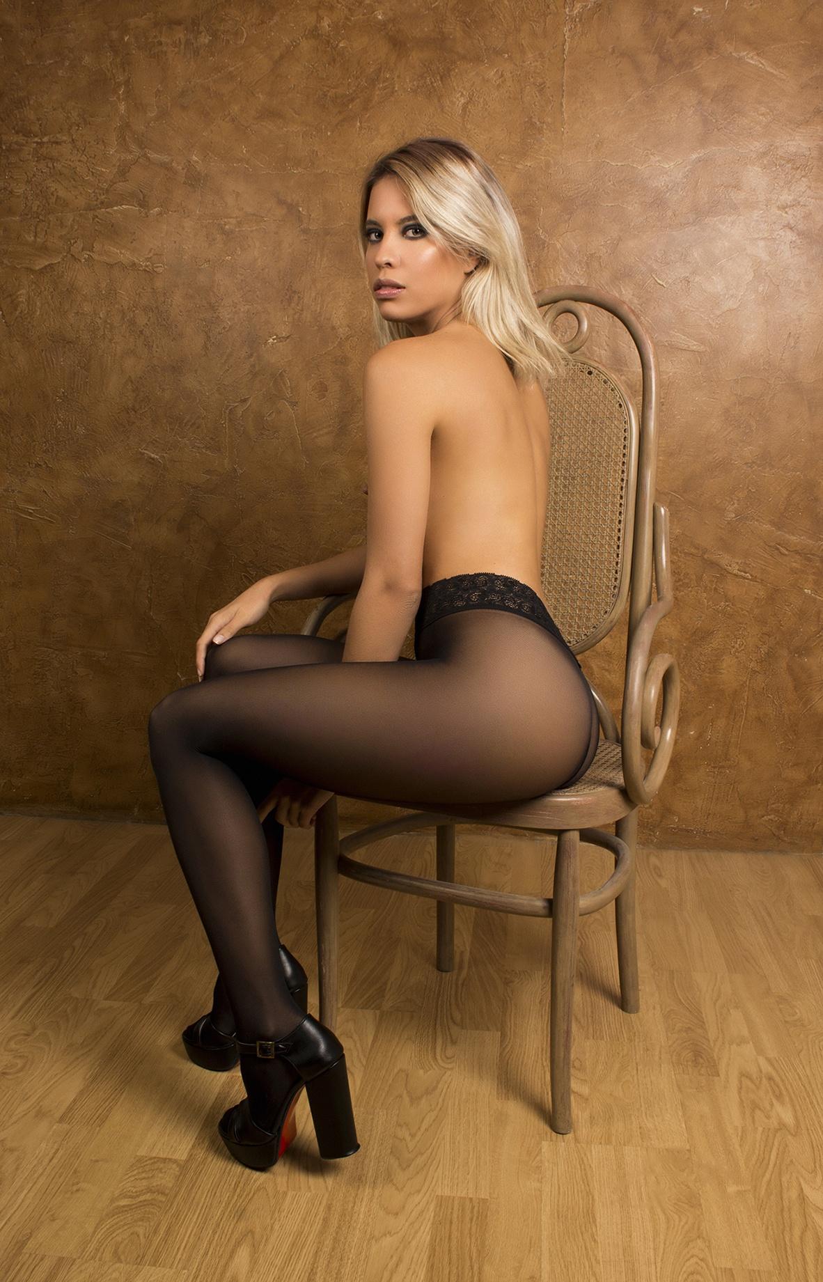 Melanie - Acceso gratuito - Desnudo, semidesnudo y boudoir. Fotografía por Javier Cuevas