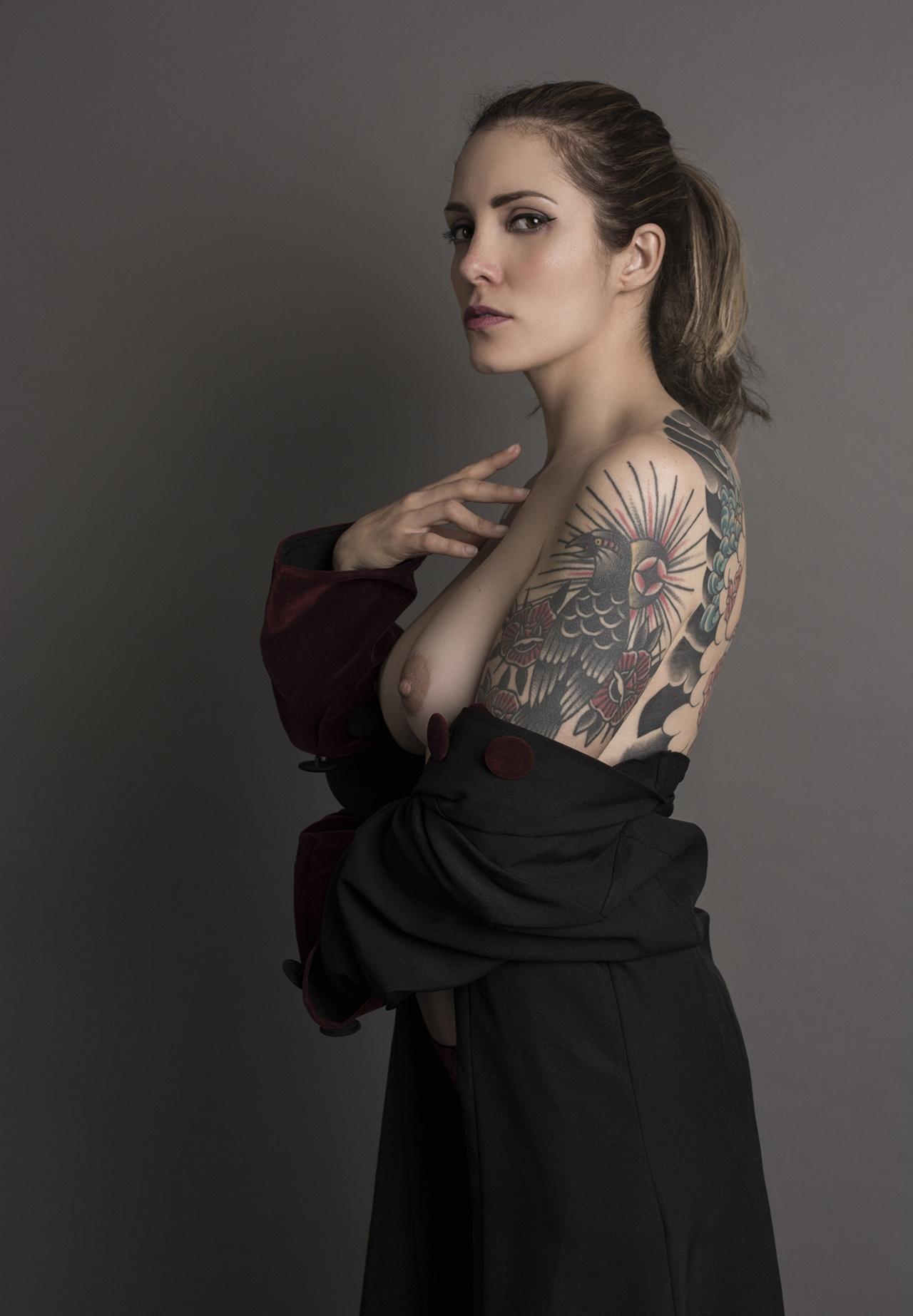 Charlotte - Acceso gratuito - Desnudo, semidesnudo y boudoir. Fotografía por Javier Cuevas