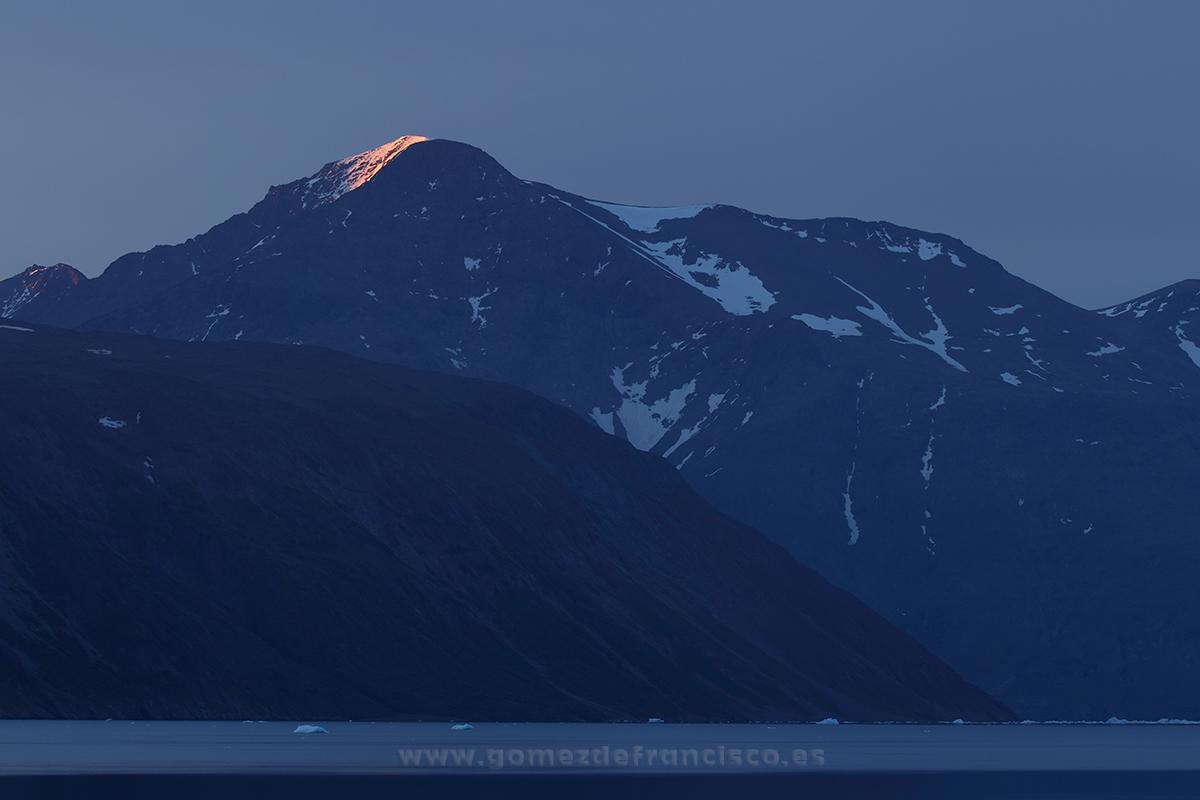 Amanecer en Qassiarsuk, Groenlandia - Groenlandia - J L Gómez de Francisco. Fotografía de paisaje de Groenlandia - Landscapes from Greenland