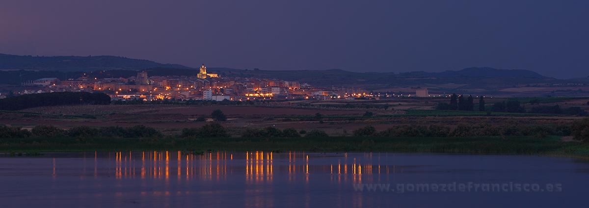 Últimas luces en la Laguna de Las Cañas, Viana (Navarra) - Panorámicas - J L Gómez de Francisco. Fotografía panorámica de paisaje - Panoramic pictures