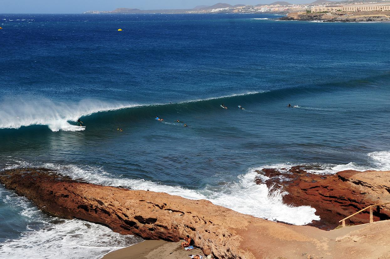 Iván González.  Mi estudio. Canarias. Foto _ MAGT / Radical Surf Mag - Behind the lens - JOSE V. GLEZ