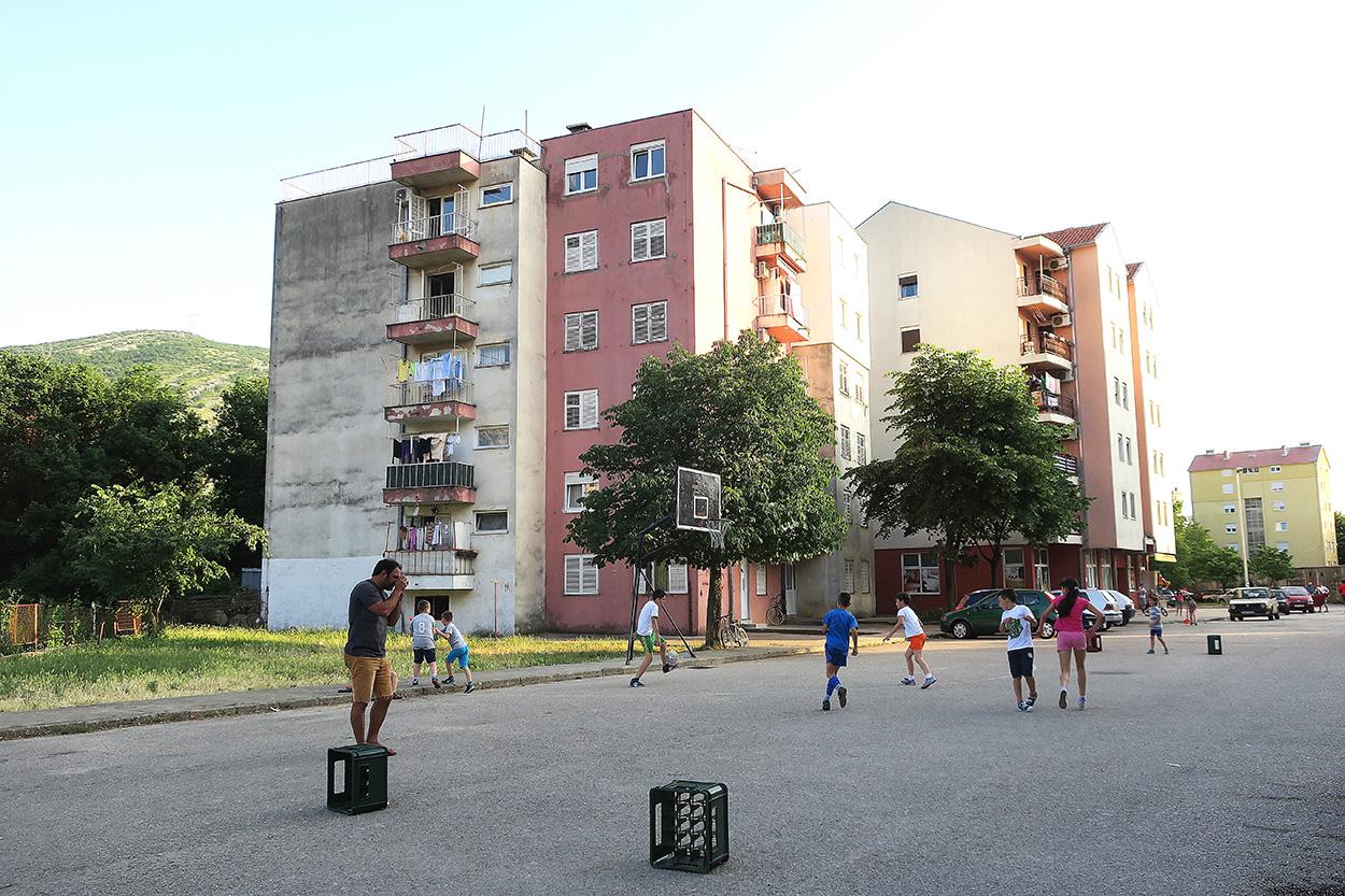 Bosniaherzegovina. Autorretrato - Behind the lens - JOSE V. GLEZ