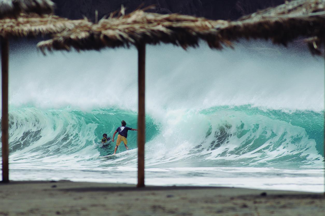 Javier Ascanio. Mi estudio. Canarias. Foto _ MAGT / Radical Surf Mag - Behind the lens - JOSE V. GLEZ