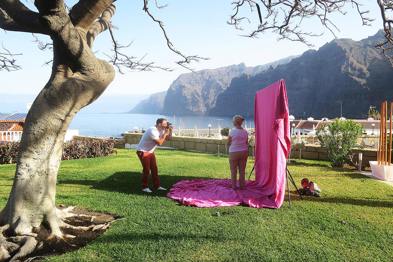 Susan Smith. Los Gigantes. Tenerife. Autorretrato - Behind the lens - JOSE V. GLEZ