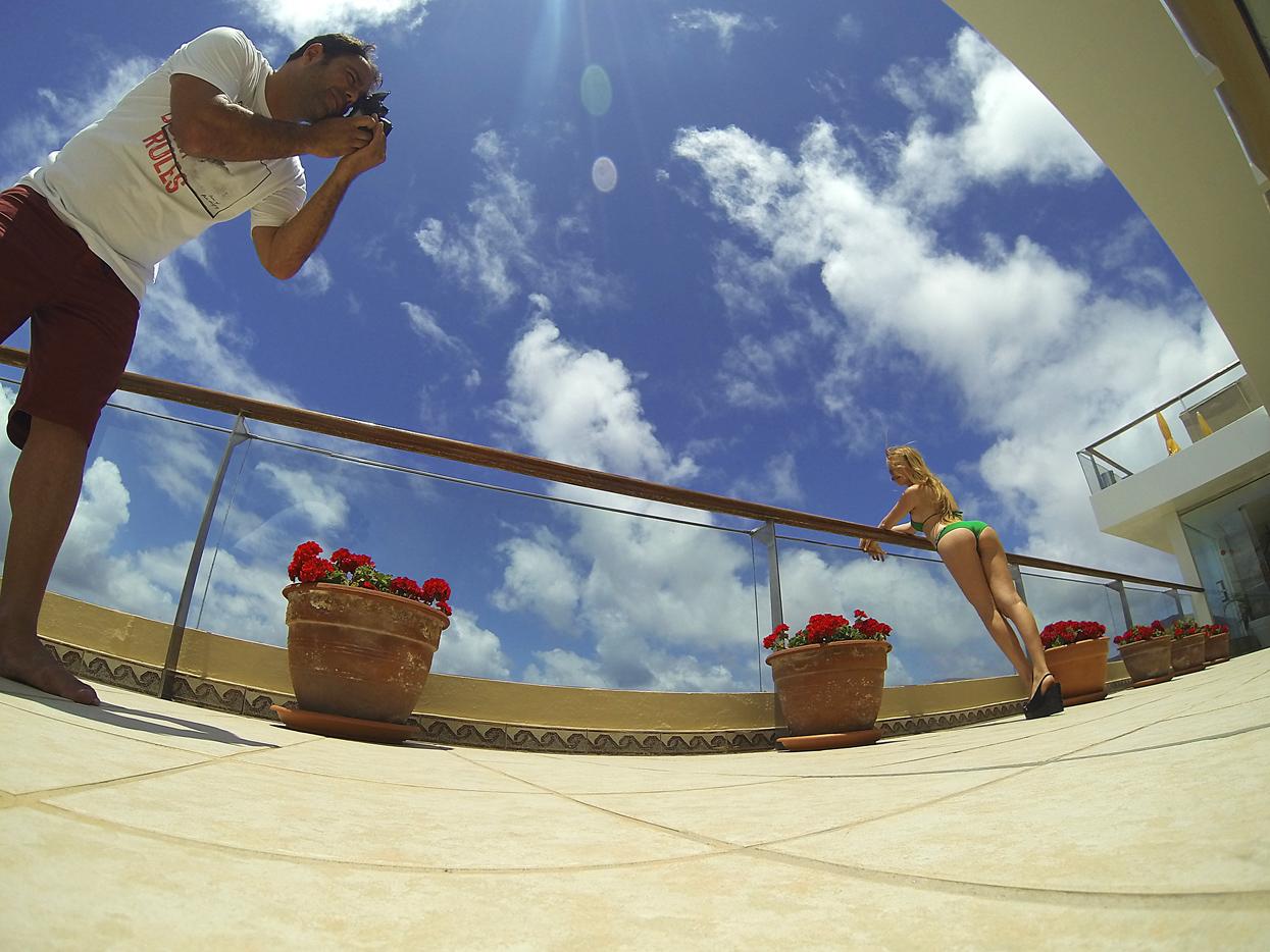 Claudia Boesser. Gran Canaria. Autorretrato - Behind the lens - JOSE V. GLEZ