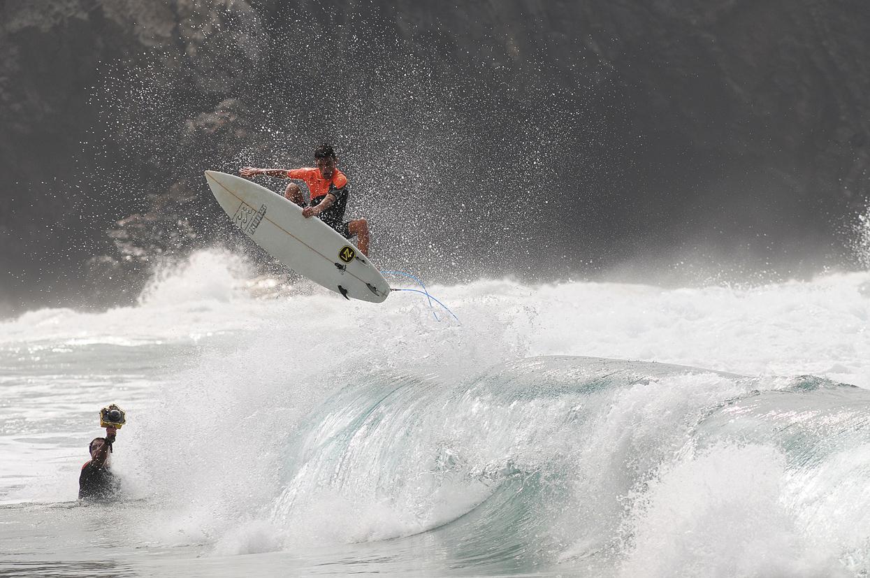 Iván Glez. Fuerteventura. Foto _ MAGT / Radical Surf Mag - Behind the lens - JOSE V. GLEZ