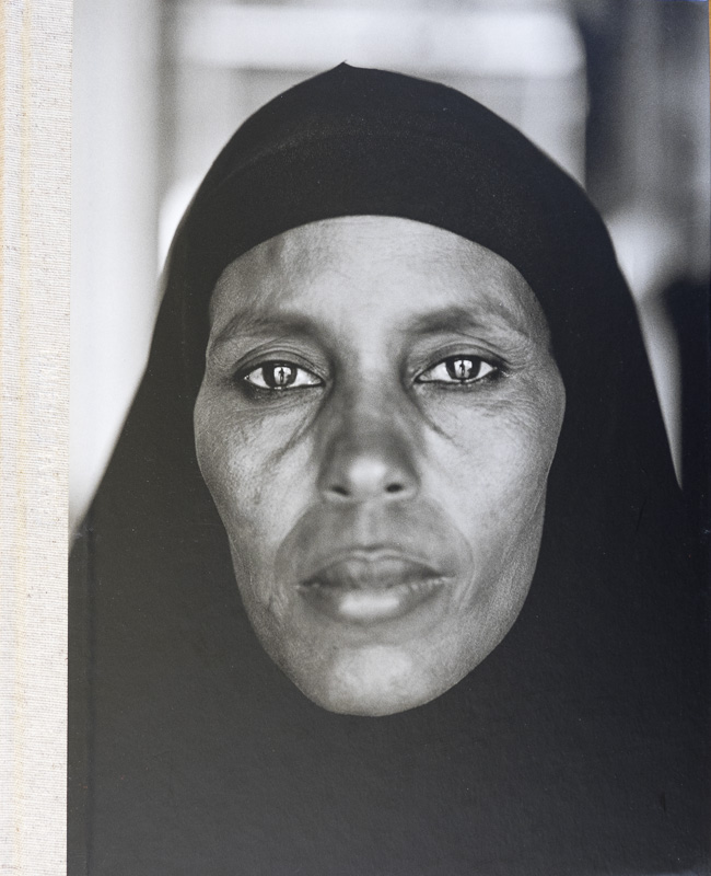 Fazal Sheikh-Catálogo Mapfre - fotógrafos - Natural Vision, photographs of Koldo Badillo
