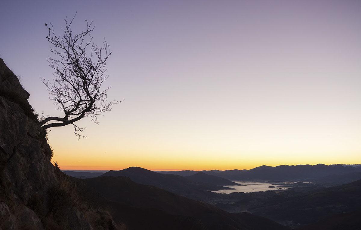 Escapando del abismo - Archivo - Iñaki Larrea, Fotografía de naturaleza y montaña