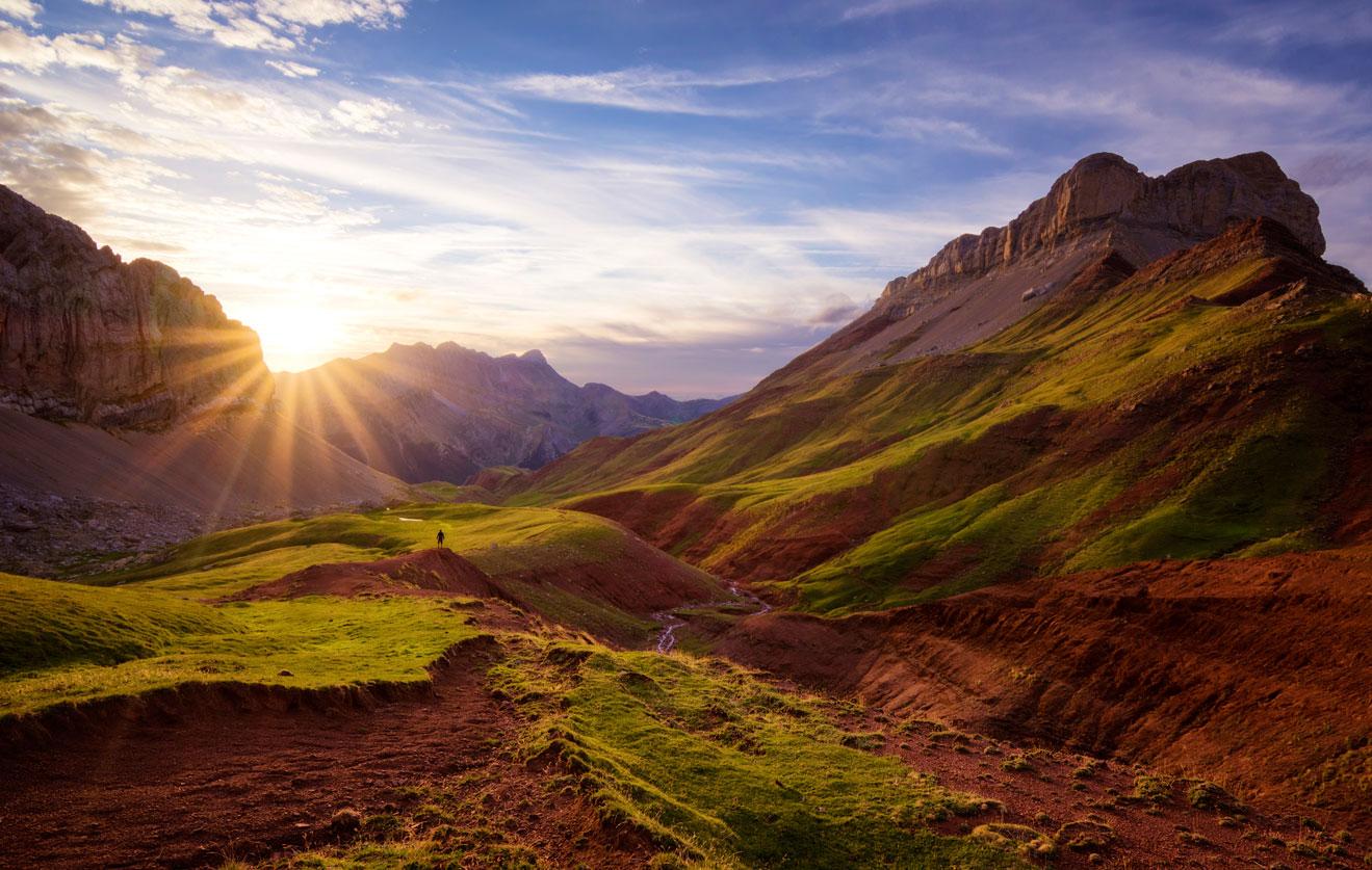 El valle verde y rojo, Hecho, Huesca. - Deportes y aventuras - Iñaki Larrea, Fotografía de naturaleza y montaña