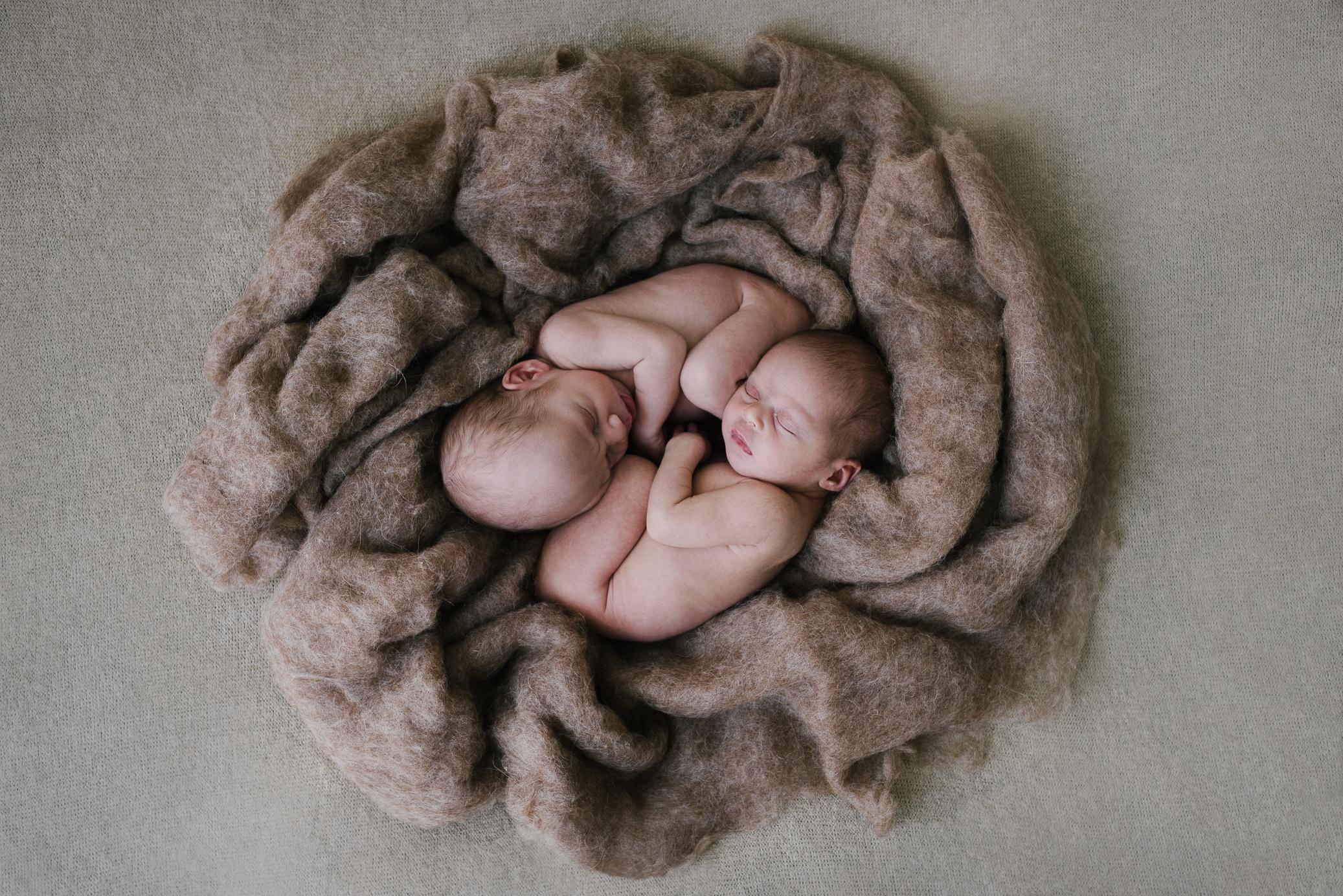 Fotografía Newborn - ❴▶❵Mireia Navarro-Fotografía newborn de recién nacidos en Barcelona.
