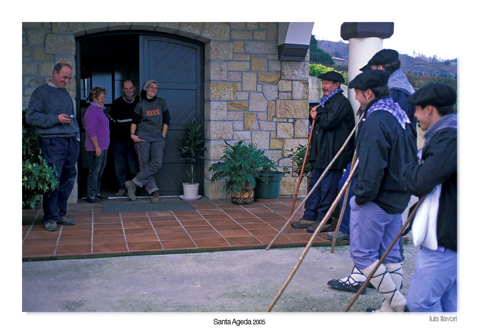 08 - Santa Agueda - Luis Llavori , Fotografía