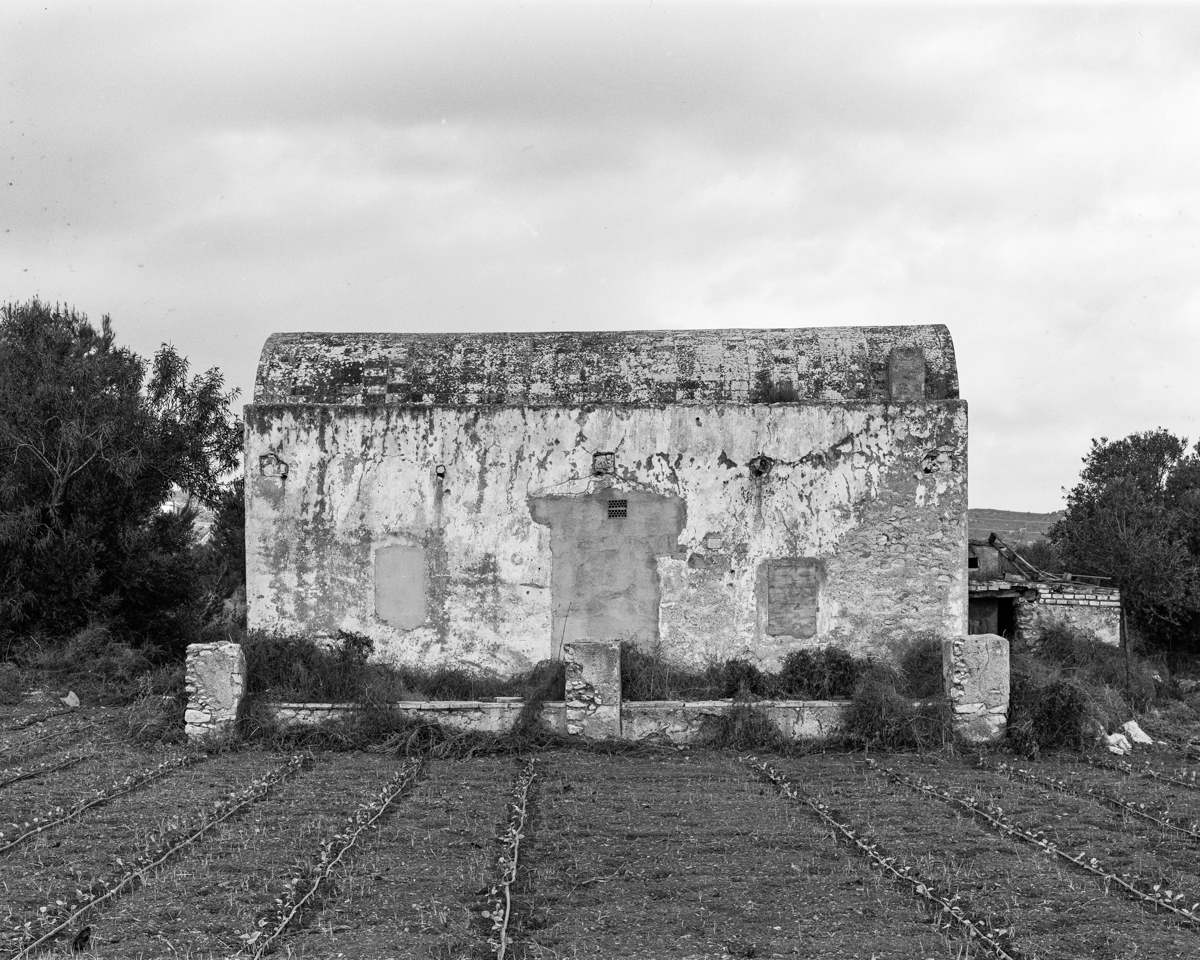 Benicarló. Caseta de volta vora la  Bassa del Marqués - Les Casetes de Volta del Baix Maestrat - LLUIS IBAÑEZ MELIA, Geografies als Ports Maestrat