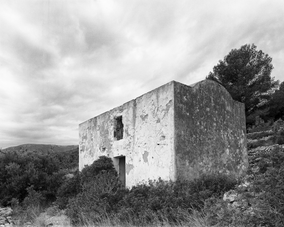 Irta. Caseta de Volta nº 2 vora la Capelleta de St Antoni  - Les Casetes de Volta del Baix Maestrat - LLUIS IBAÑEZ MELIA, Geografies als Ports Maestrat
