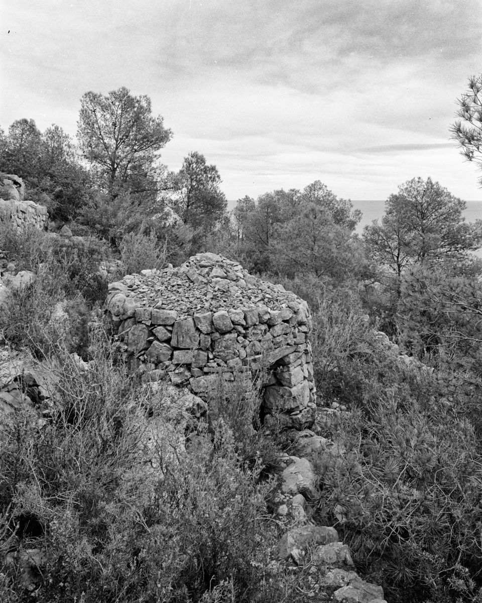 Caseta nº1 vora el Coll d'Enberri   - Habitatges temporals a Irta - LLUIS IBAÑEZ MELIA, Geografies als Ports Maestrat