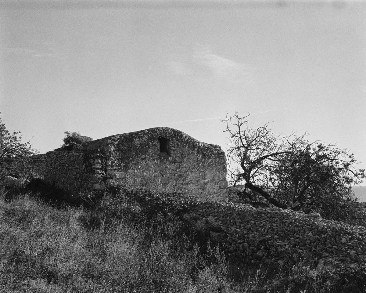 Irta. Caseta de Volta nº 4 vora la Capelleta de St Antoni  - Les Casetes de Volta del Baix Maestrat - LLUIS IBAÑEZ MELIA, Geografies als Ports Maestrat