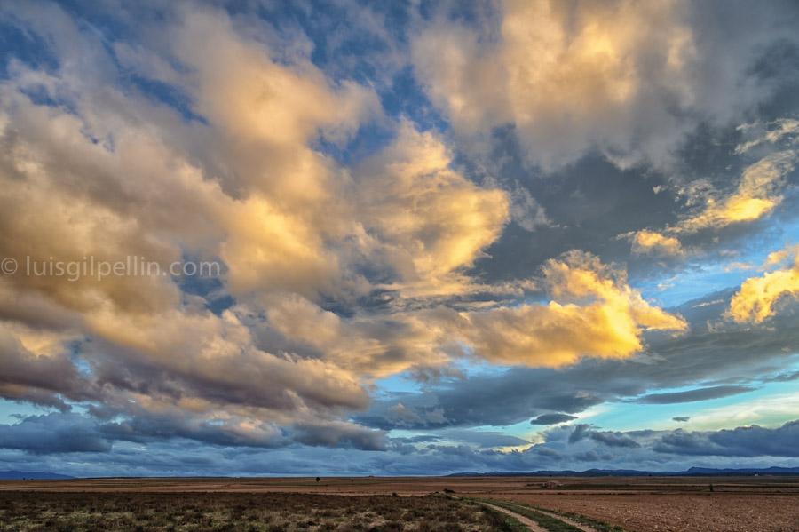 Mar de nubes - Buscando la luz - Luis Antonio Gil  Pellín , Fotografia de naturaleza