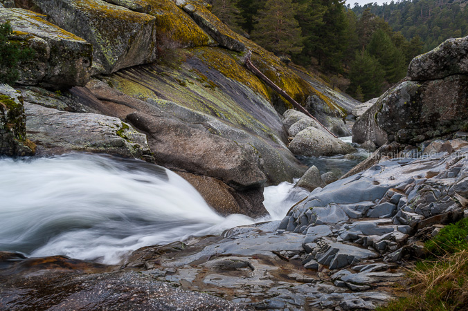 Aguas de montaña - Buscando la luz - Luis Antonio Gil  Pellín , Fotografia de naturaleza
