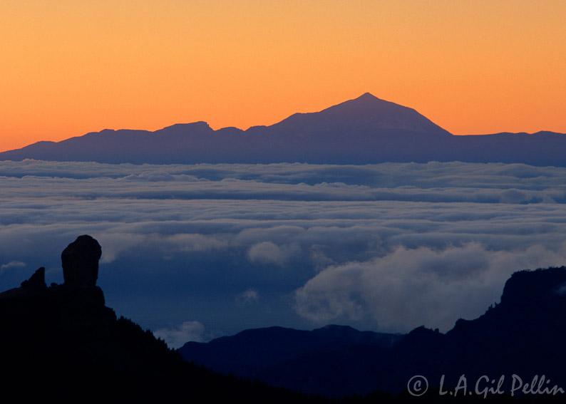 Roque Nublo - Buscando la luz - Luis Antonio Gil  Pellín , Fotografia de naturaleza