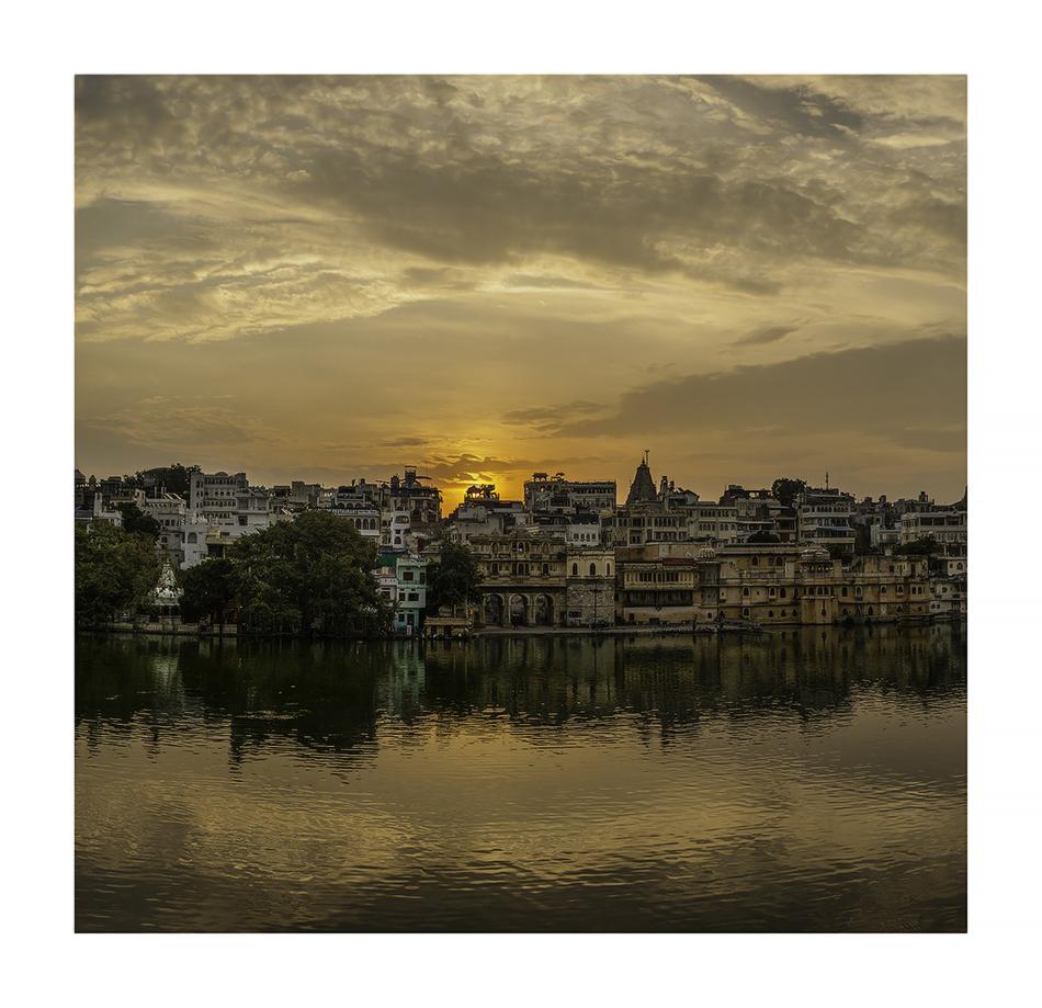 Amanecer en Udaipur - Panorámicas de India - MVilches , Fotográfia