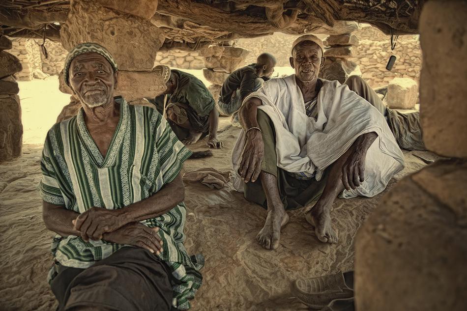 Ancianos en Toguna - País Dogón, Malí - MVilches , Fotográfia