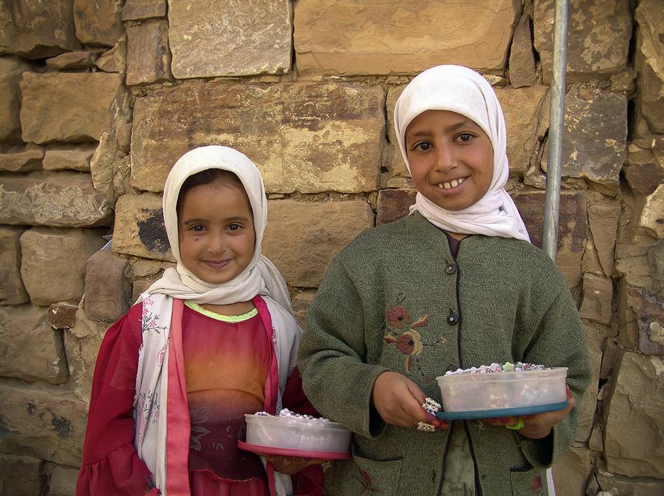 Sueño y Alegría, mis pequeñas amigas. Thula - Yemen - MVilches , Fotográfia