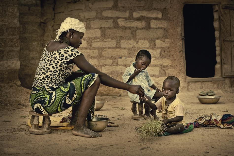 La comida. - Burkina Faso - MVilches , Fotográfia