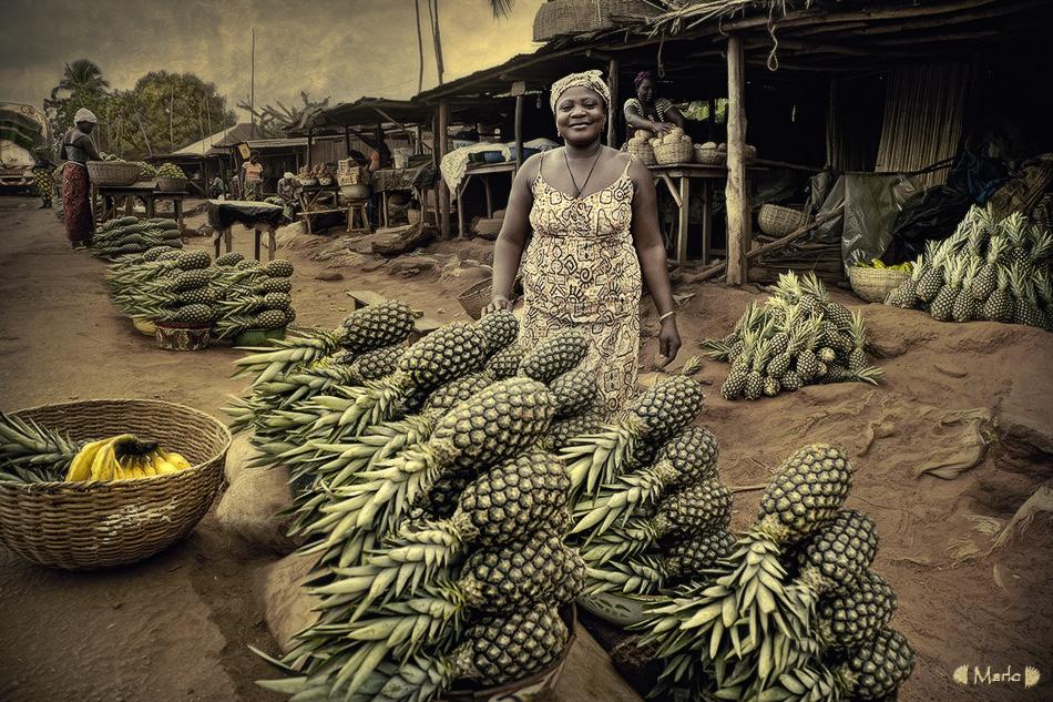 Piñas en Benin. - Mercados del Mundo - MVilches , Fotográfia