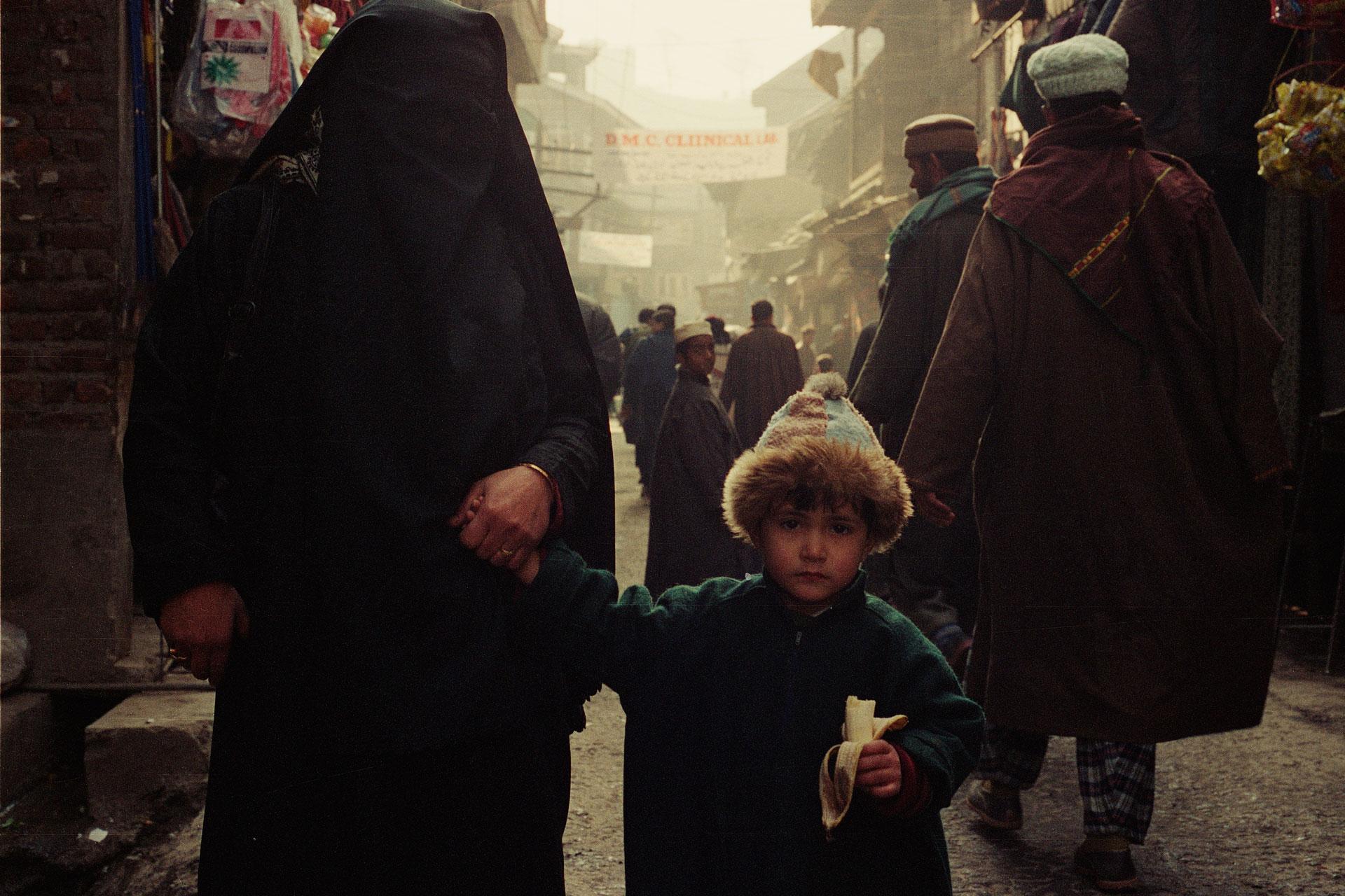 Srinagar, 1999 - TIENDA - MARCELO CABALLERO