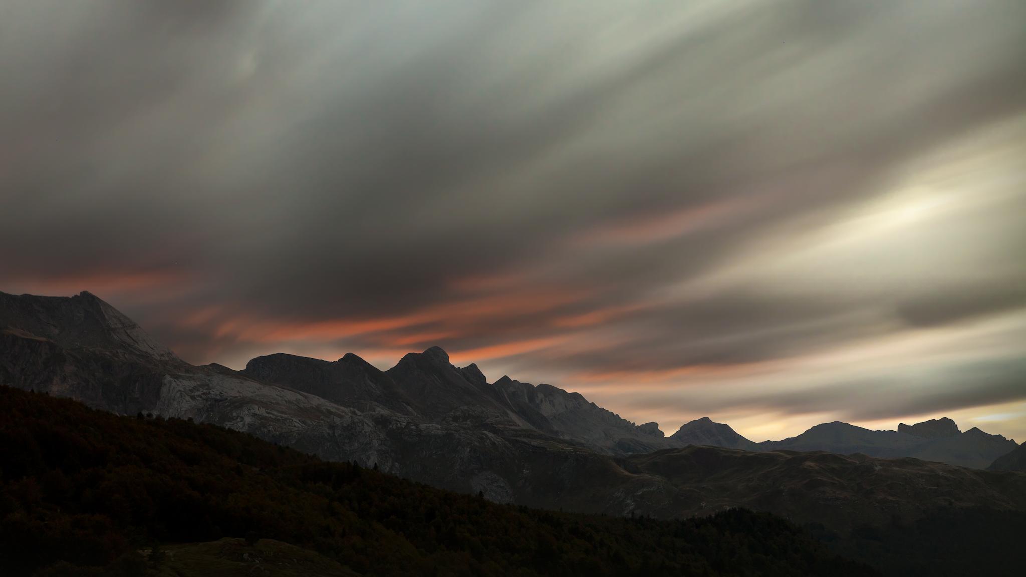 Atardecer sobre la sierra de Secús - Paisajes del valle - Fotos del Valle del Aragón, Mikel Besga
