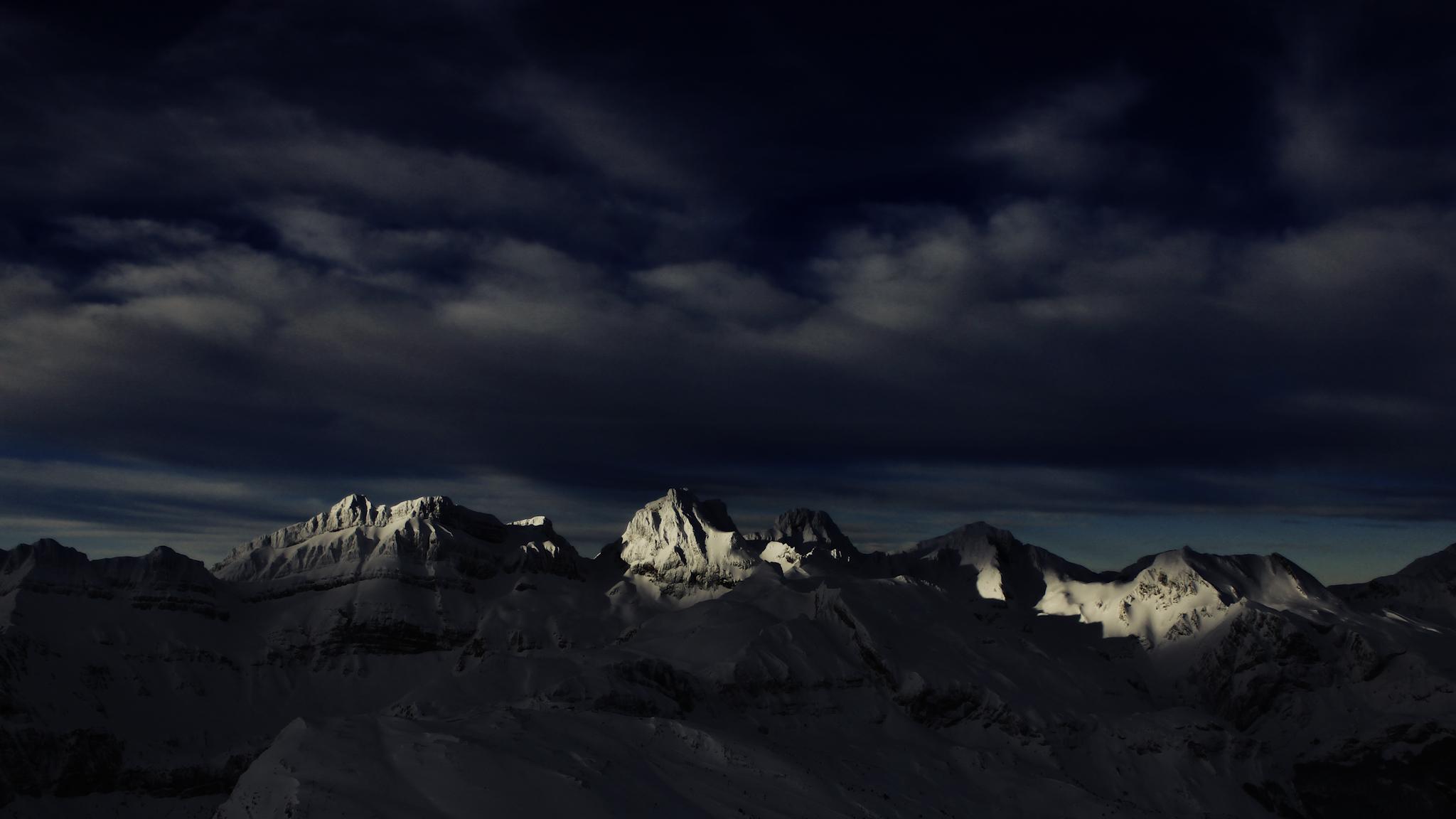 Luces de amanecer sobre el macizo del Aspe - Paisajes del valle - Fotos del Valle del Aragón, Mikel Besga
