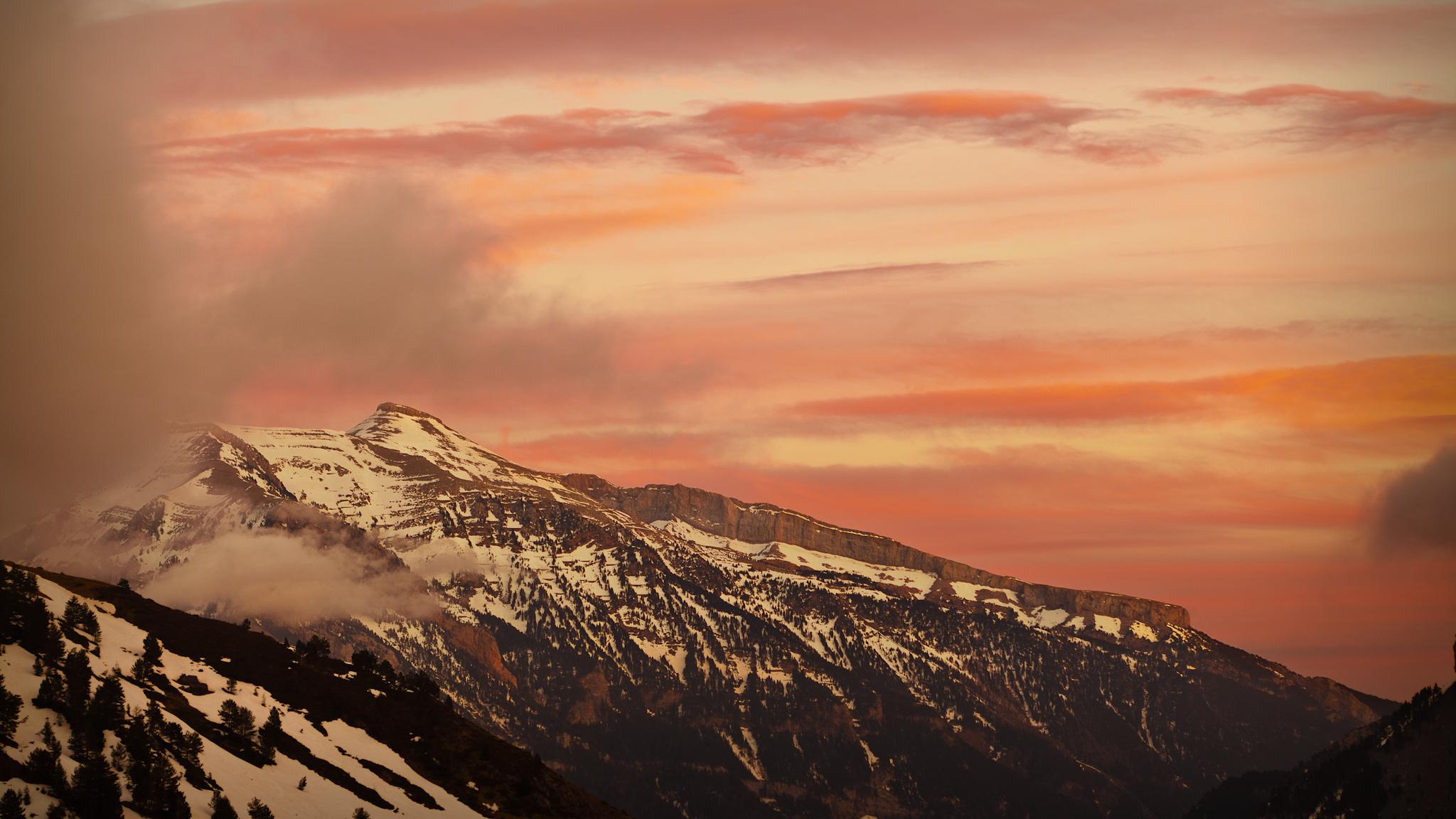 Atardecer sobre La Moleta - Paisajes del valle - Fotos del Valle del Aragón, Mikel Besga