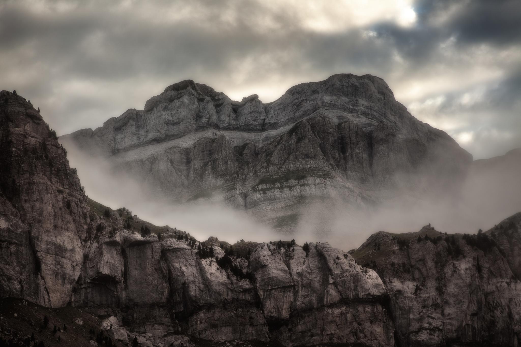 Murallas de Rioseta y Borau - Paisajes del valle - Fotos del Valle del Aragón, Mikel Besga