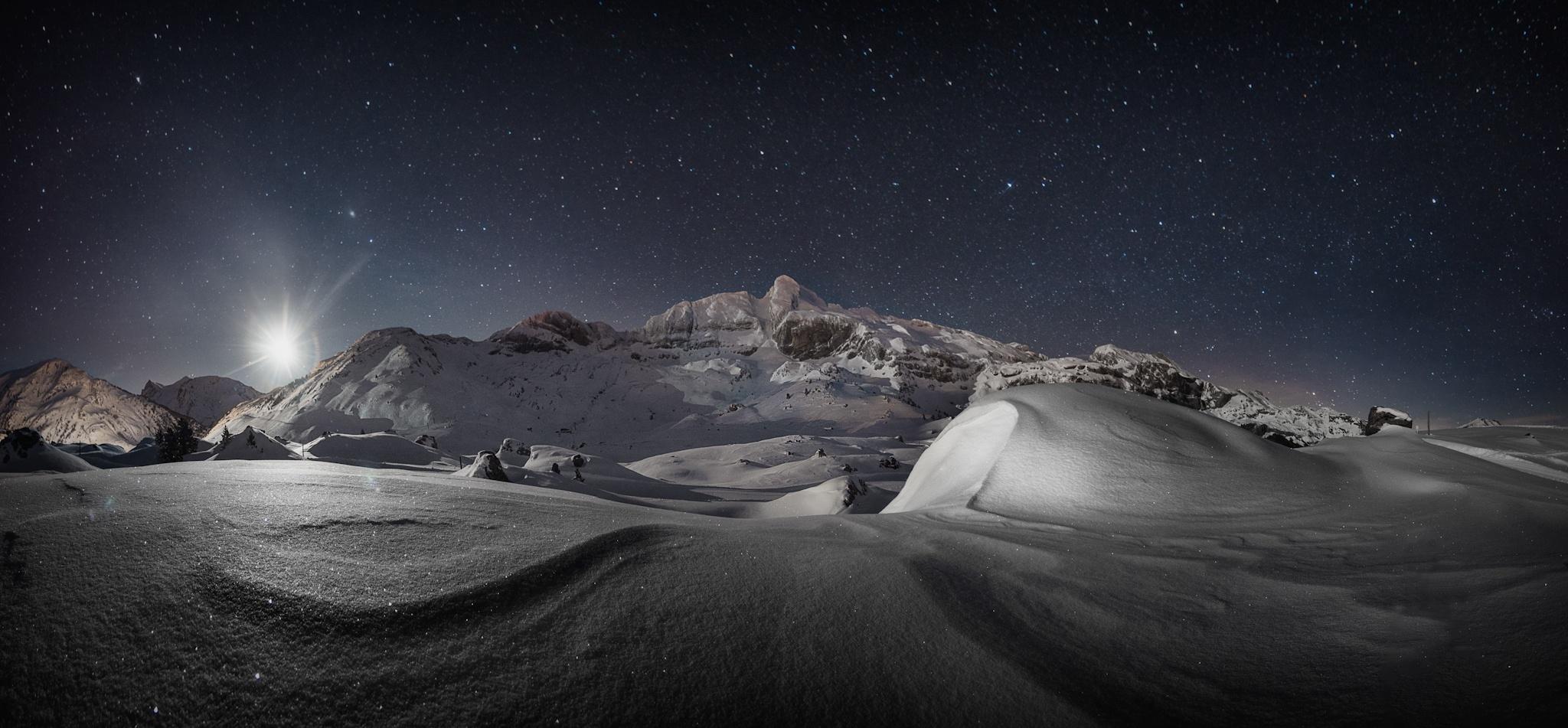Salida de luna - Paisajes del valle - Fotos del Valle del Aragón, Mikel Besga