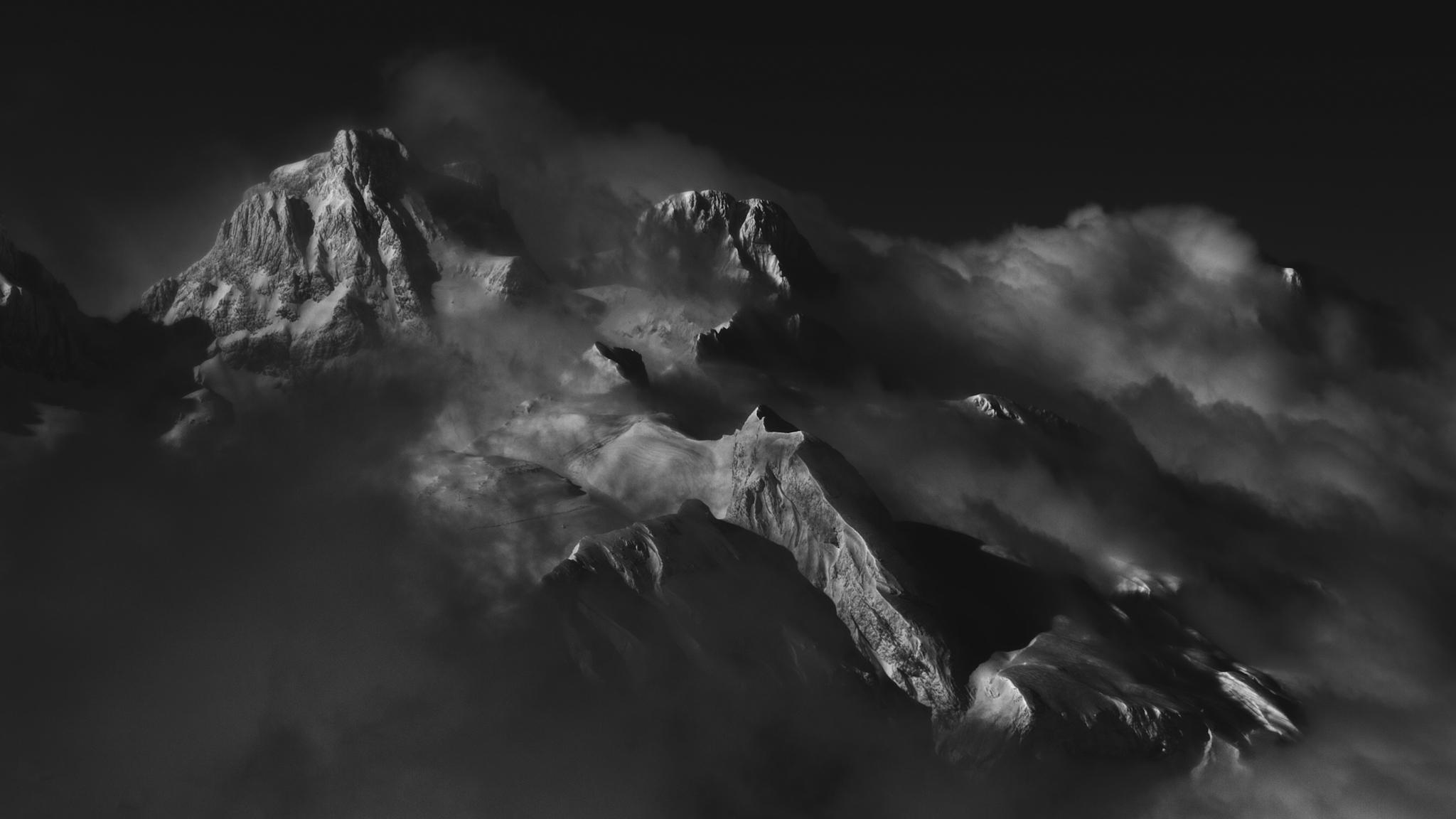 Aspe y Zapatilla entre nubes - Paisajes del valle - Fotos del Valle del Aragón, Mikel Besga