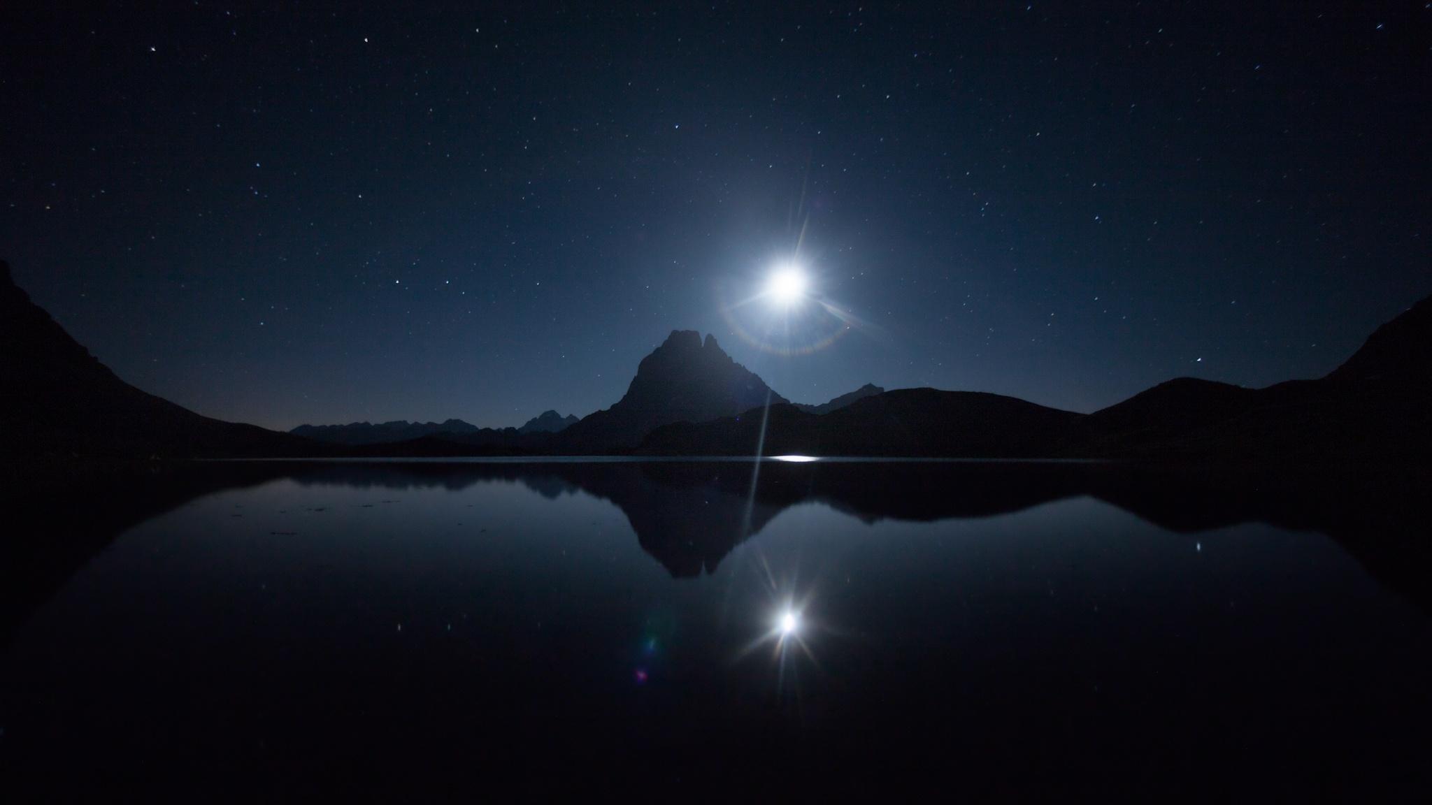 Luna reflejada - Midi d´Ossau - Fotos del Valle del Aragón, Mikel Besga