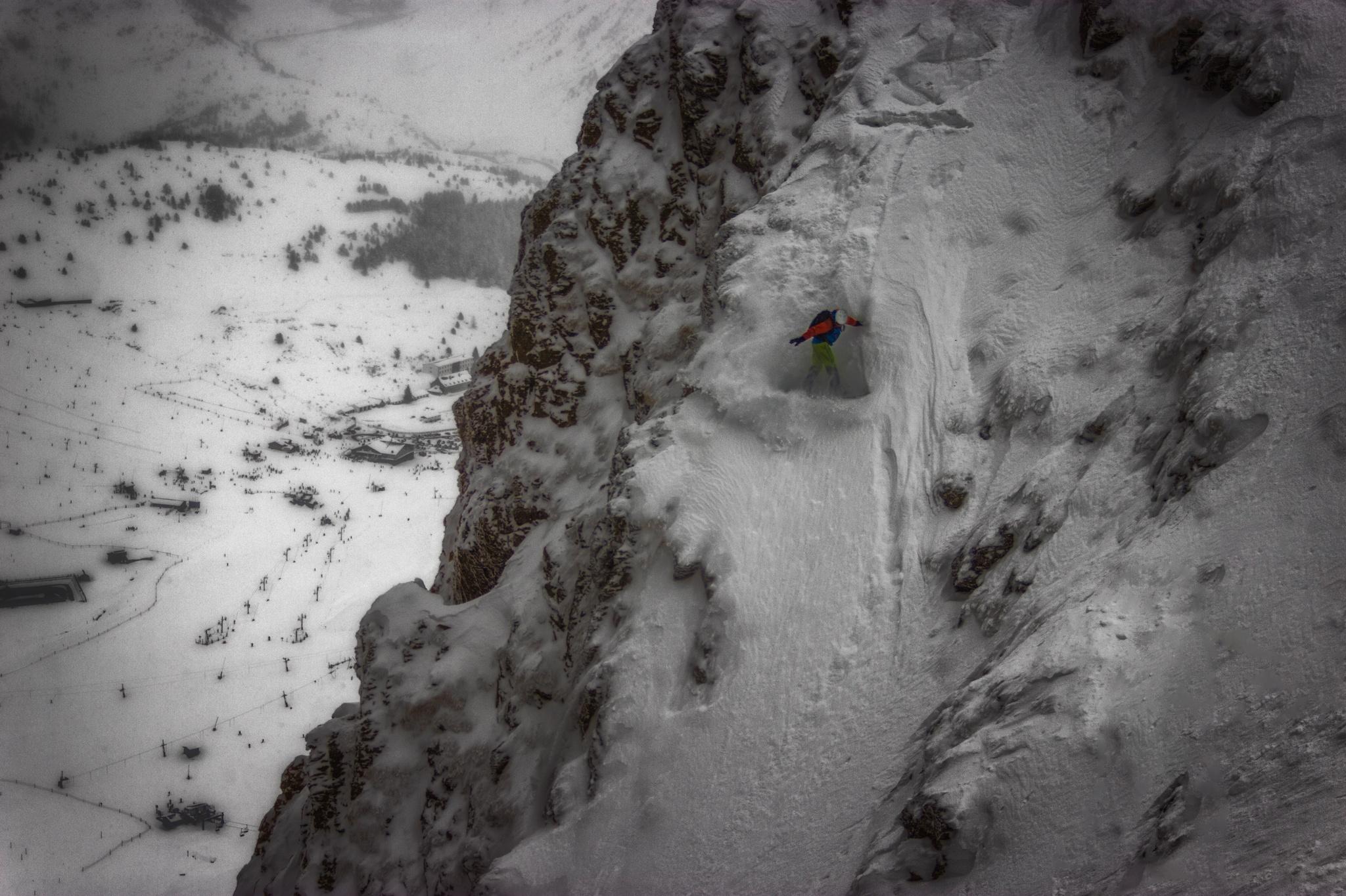 Tubo de la Zapatilla variante, Ekaitz Isasi - Ski & Snowboard - Fotos del Valle del Aragón, Mikel Besga