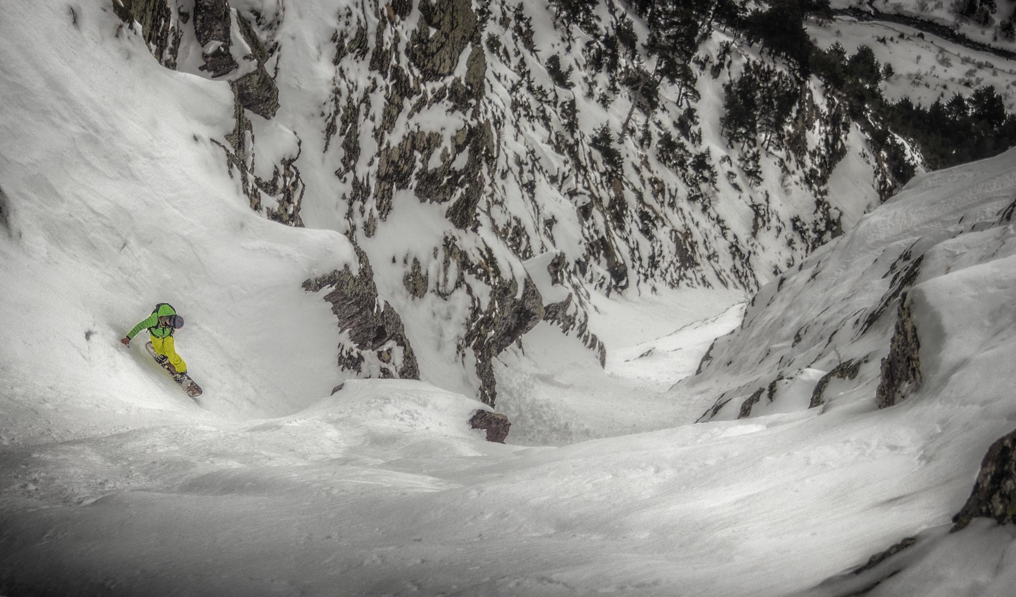 Canal Honda de La Raca, Ricardo Diaz - Ski & Snowboard - Fotos del Valle del Aragón, Mikel Besga