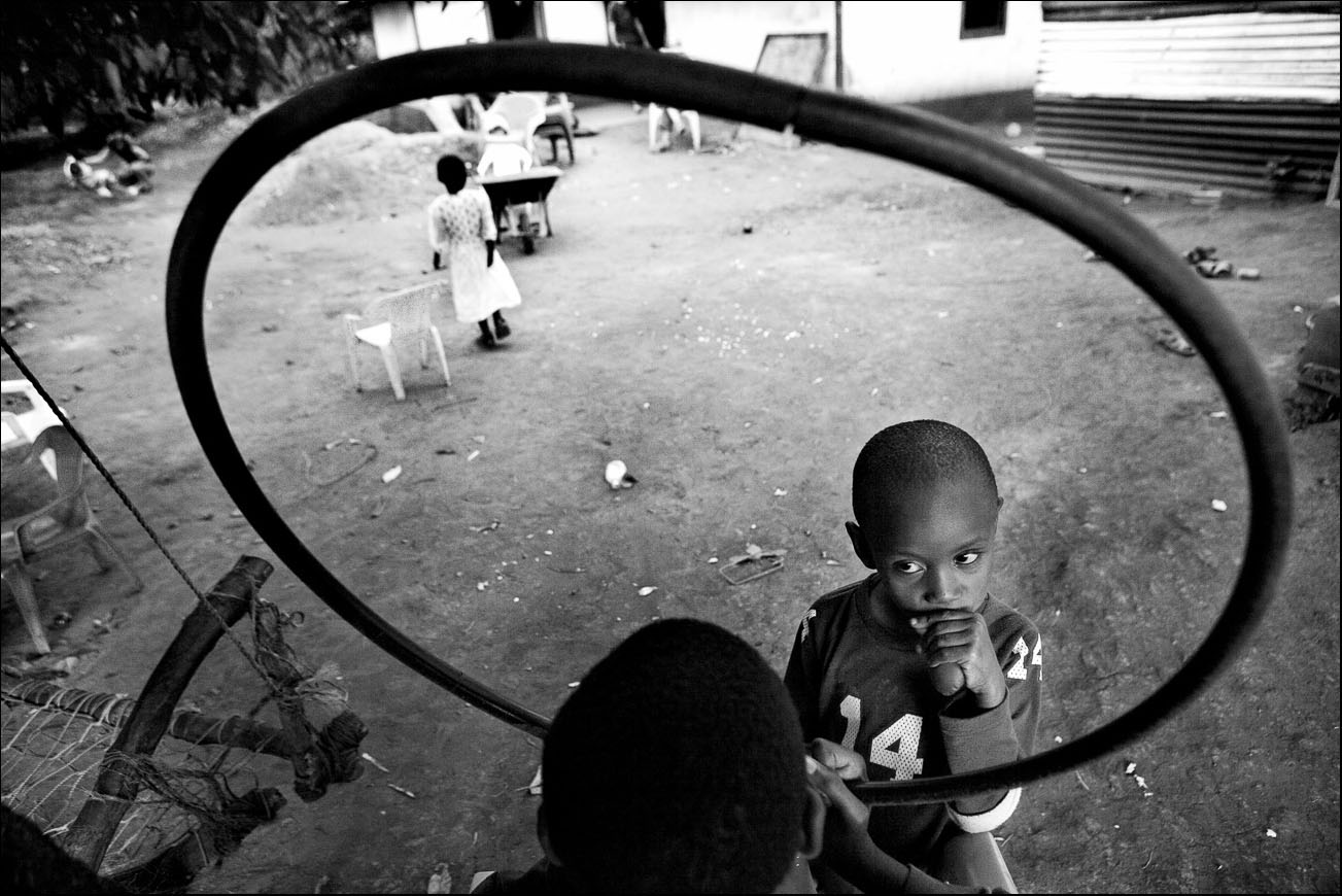 ORPHANAGES OF KENYA - Mingo Venero, photographer & filmmaker