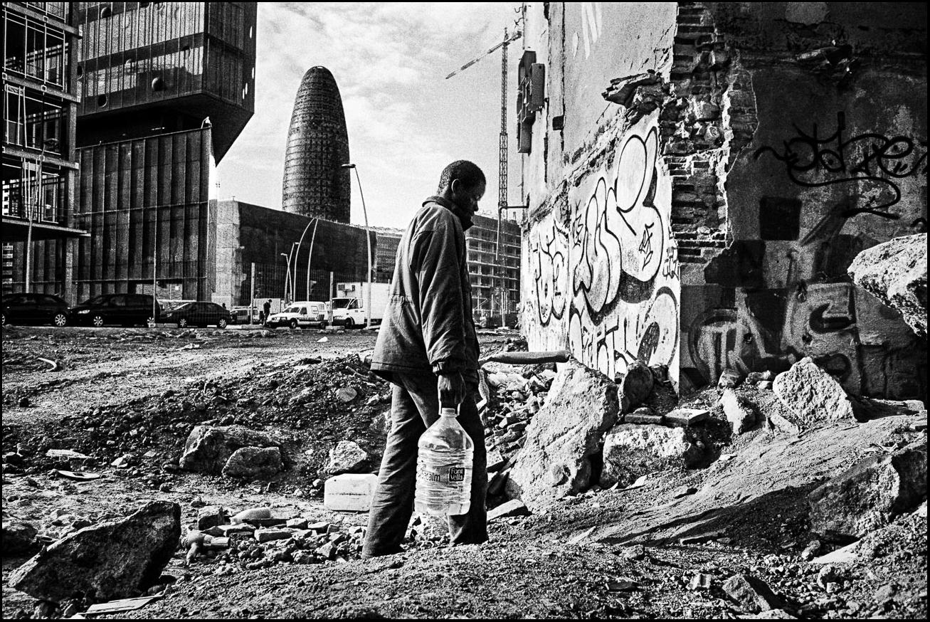 SURVIVING IN PARADISE - Mingo Venero, photographer & filmmaker