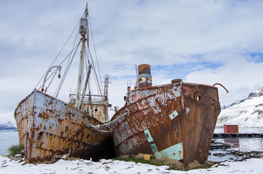 Viejos barcos balleneros - Grytviken - Juan Abal - South Georgia - Yolanda Moreno & Juan Abal , Fotografía de naturaleza y de viajes